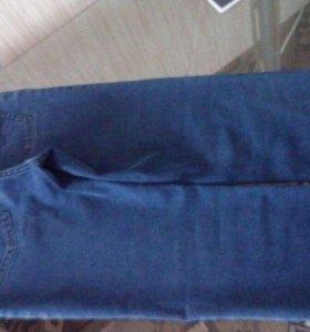 Продаются мужские джинсы размер 32