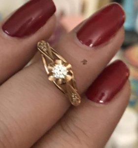 Кольцо с бриллиантом 17,5 размер