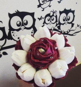 цветы с конфетами. бумажные цветы