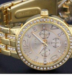 Новые в упаковке стильные часы Geneva Gold