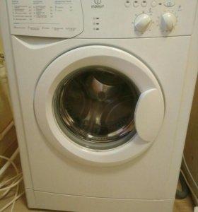 Узкая стиральная машинка Indesit wiun102