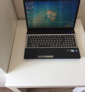 Ноутбук Samsung NP300V5A-S03