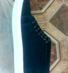 Продам новые ботинки faberlic