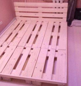 Кровать из европоддонов