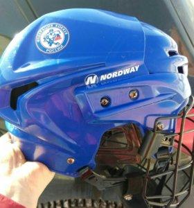 Шлем хоккейный новый