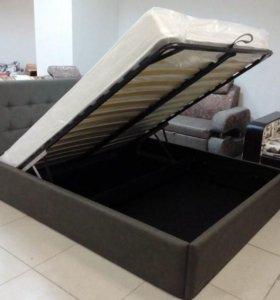 Кровать в каретной стяжке из кожи!!!