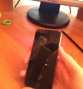 Продам два iPhone