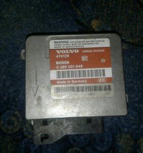 Блок управления Volvo 440 Bosh