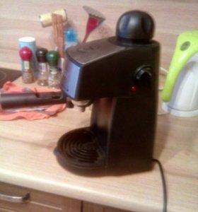 Кофеварка Scarlett с капучинатором