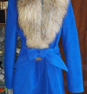 Новое зимнее пальто с натуральным мехом!