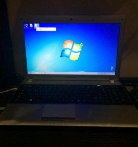 Ноутбук SAMSUNG RV 520