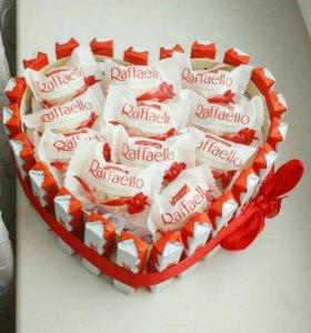 Подарок сладкий из Киндеров