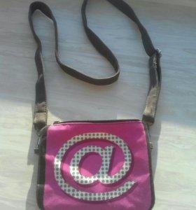 Маленькая дорожная сумочка