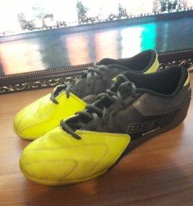 Кроссовки для футбола DEMIX