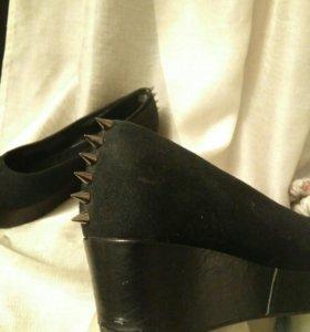 Туфли H&M под замшу с шипами