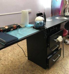 Продаю маникюрный стол,настольную вытяжку макс.