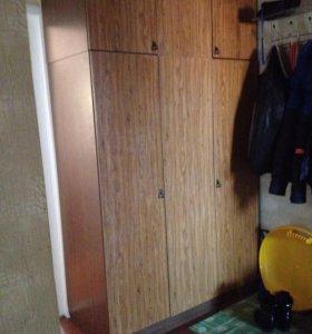 Шкаф с антресолью