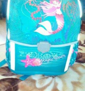 Рюкзак новый школьный