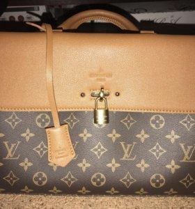 Новая сумочка Louis Vuitton Venus