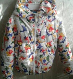 Куртка на девочку от 3 до 5 лет