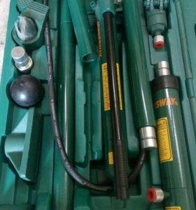 Набор гидроинструмента JONNESWAY 18 предметов