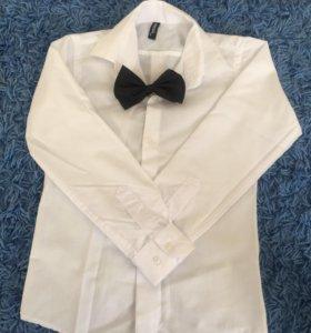 Рубашка на мальчика 116-122,бабочка в подарок