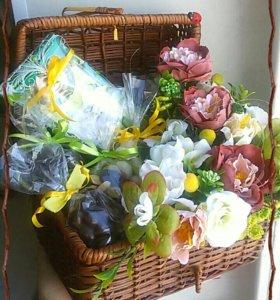 Подарок.Цветы, шоколад, орехи, фрукты