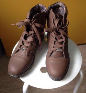 Ботинки женские 39-40р