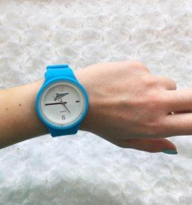 Часы со сменными ремешками «Зенит».
