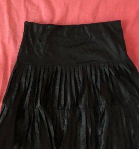 Блестящая чёрная юбка Pinko!!!