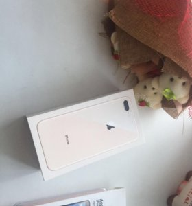iPhone 8+ на 64 гига новый