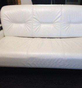 Новый диван и кресло