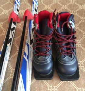 Лыжи+ботинки 35р