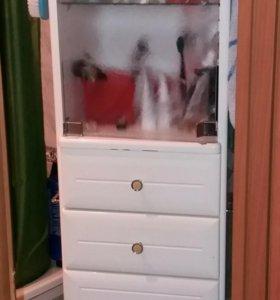 Вращающийся пенал с зеркалом в ванную комнату