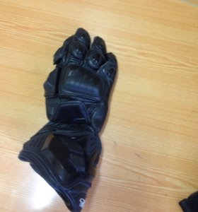 Ремонт мотоэкипировки (перчаток,ботинок,одежды)