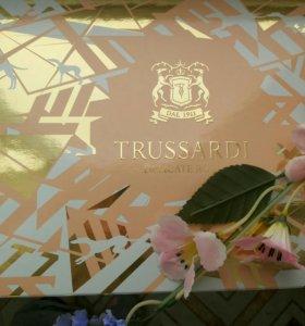 Парфюмерный женский подарочный набор Trussardi