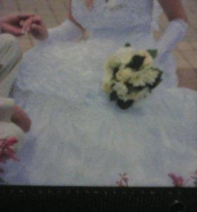 Свадебное платье и 7 колец