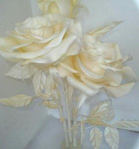 Цветы из бумаги и изолона