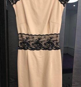 Платье футляр стрейчевое песочного цвета