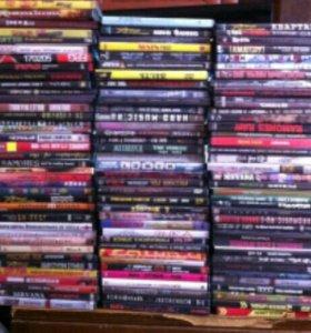 Дивиди диски с фильмами.