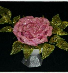 Цветок из бисера.Роза.Сувенир ручной работы