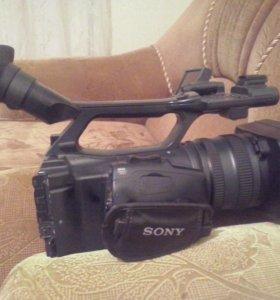 Видеокамера SONY HDR FX1000