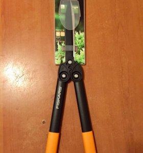 Ножницы для подрезания живой изгороди Fiskars HS72