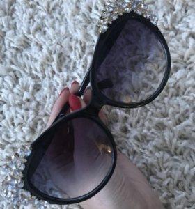 Очки солнцезащитные,новые