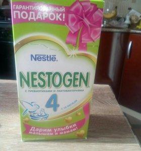 Молочная смесь Нестожен 4
