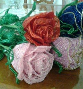 Розы из бисеров .