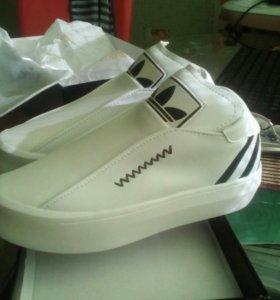 Ботинки-кроссы новые
