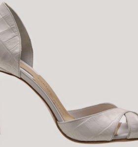 Туфли босоножки под крокодила новые италия