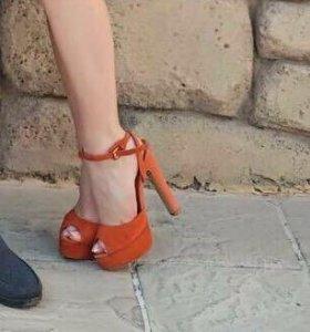 Оранжевые босоножки