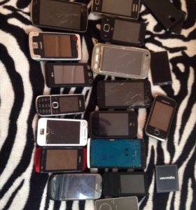 Куча убитых телефонов